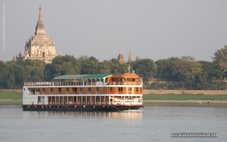 Between Ancient Bagan and Royal Mandalay